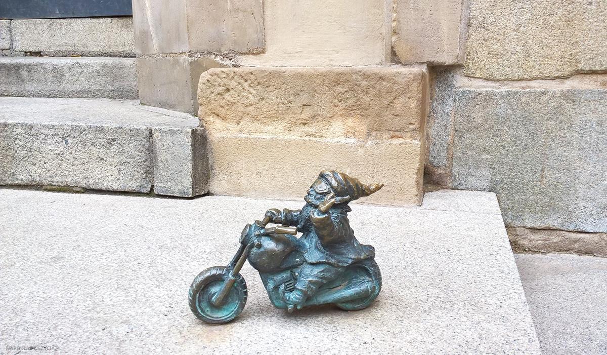 Wrocław weekend co zobaczyć krasnal motocyklista