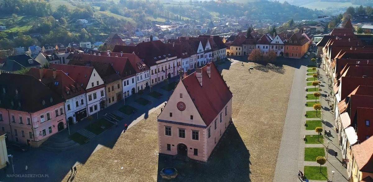 Bardejów, Słowacja: atrakcje, kościół św. Idziego, widok z dzwonnicy na rynek