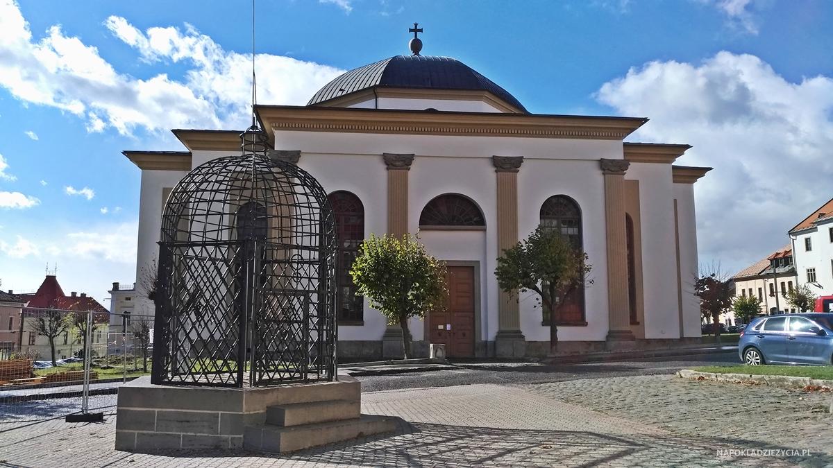 Lewocza, zwiedzanie: klatka hańby, kościół ewangelicki