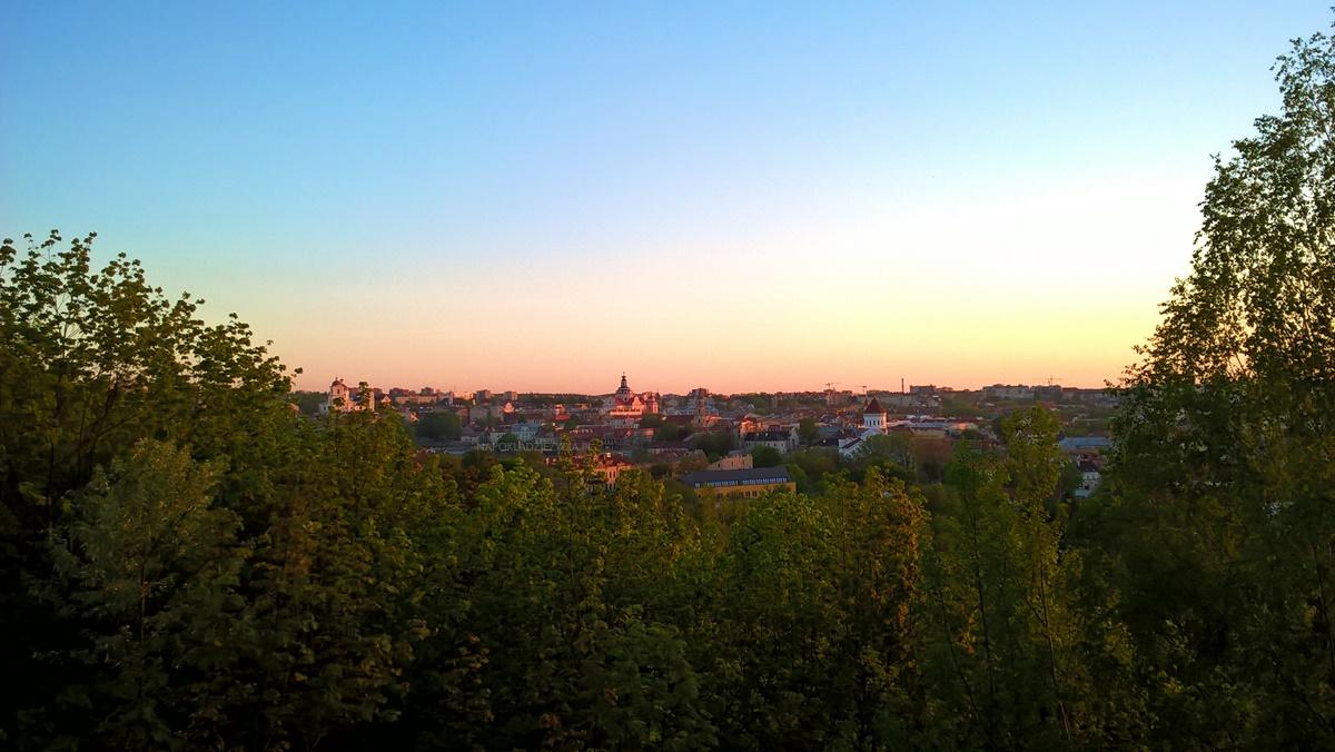 Wilno punkty widokowe: Wzgórze na zbiegu ulic Subačiaus i Maironio (Užupis- Republika Zarzecza)