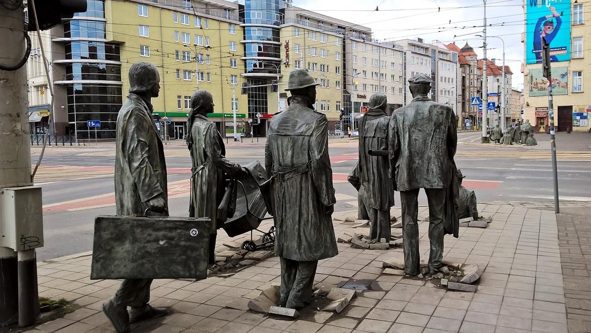 Wrocław na weekend: pomnik anonimowego przechodnia