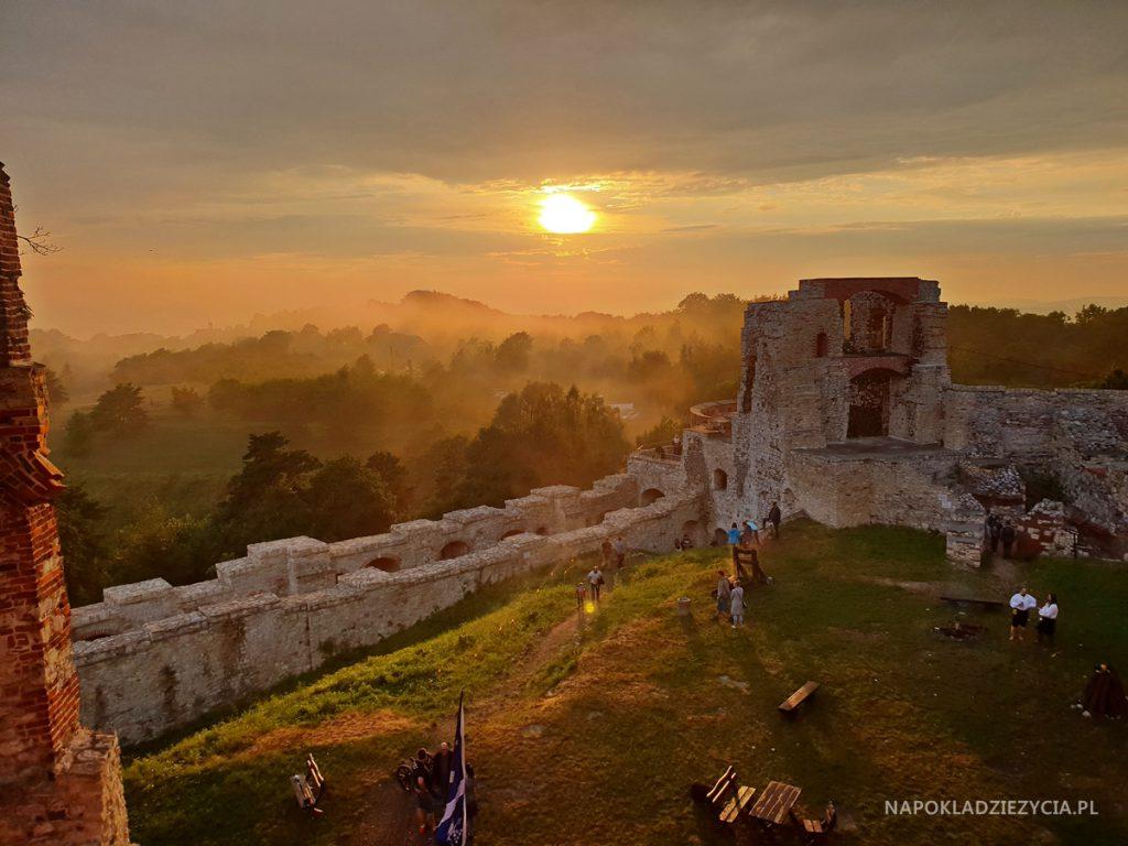 Najpiękniejsze zamki Szlaku Orlich Gniazd, trasa samochodowa: Zamek Tenczyn w Rudnie