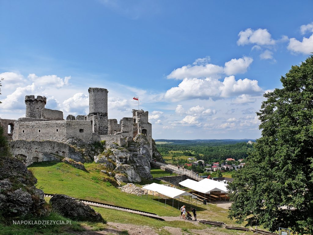 Najpiękniejsze zamki Szlaku Orlich Gniazd, trasa samochodowa: Zamek Ogrodzieniec