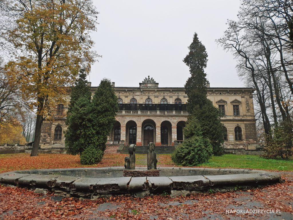 Najpiękniejsze zamki Szlaku Orlich Gniazd, trasa samochodowa: Zamek w Pilicy