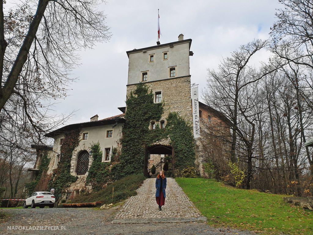 Najpiękniejsze zamki Szlaku Orlich Gniazd, trasa samochodowa: Zamek Korzkiew