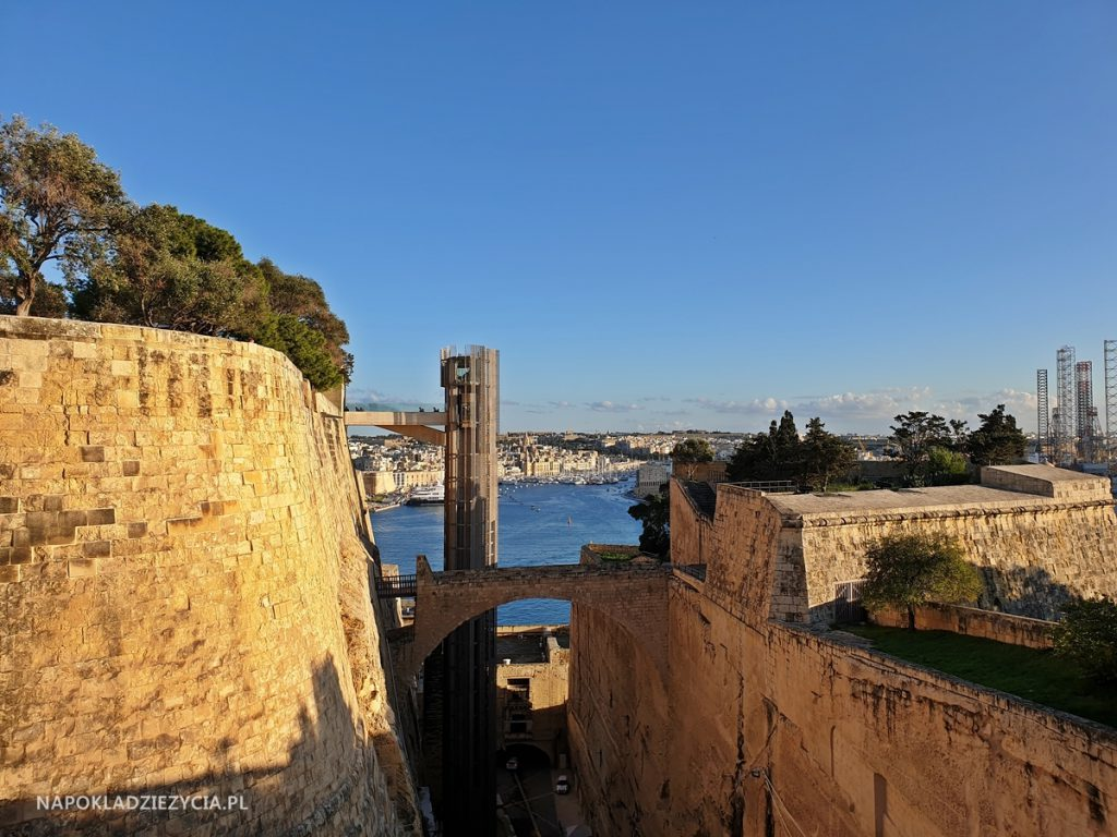 Valletta: co zobaczyć, punkty widokowe, jedzenie, parking