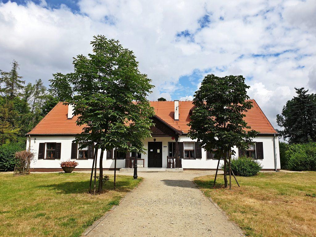 Dworek Marii Dąbrowskiej w Russowie: zwiedzanie